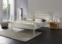 Metalen bed Venezia in de kleur zand