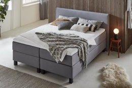 2 Persoonsbed Modern.Modern Bed In Een Moderne Slaapkamer Gratis Bezorgd