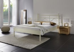 Metalen bed Pisa zand
