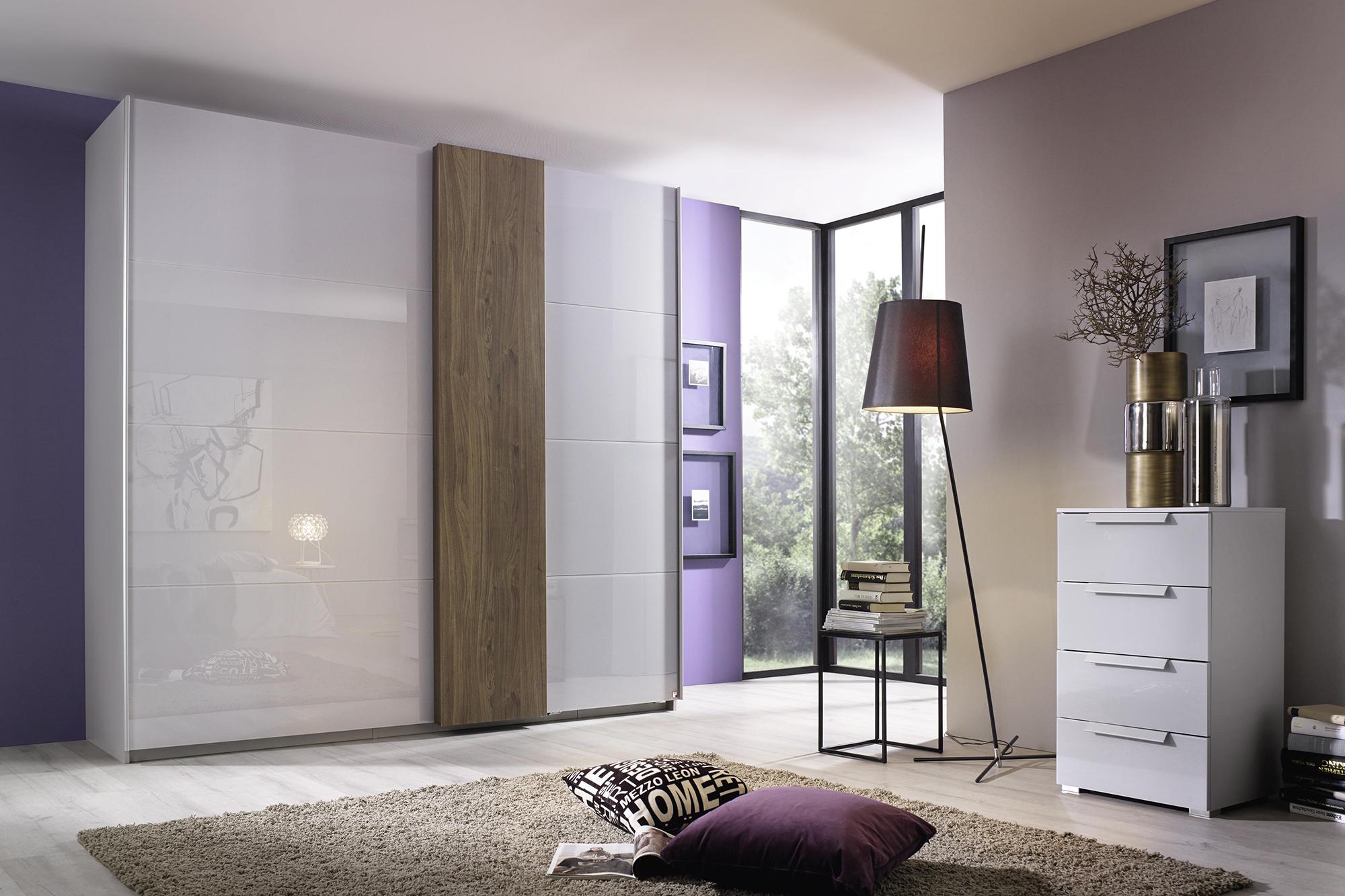Luxe Kledingkast Met Zweefdeuren En Sieraden Opbergplaats