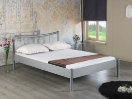 Zilveren metalen bed